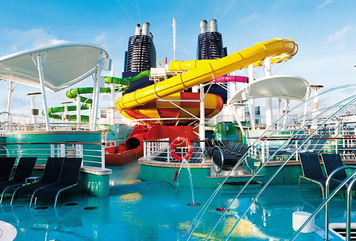 Cruceros con toboganes acuáticos y aquapark