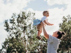 Qué coberturas debe incluir un seguro médico para niños