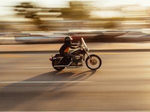 El seguro de moto ¿a terceros o a todo riesgo? Cuál contratar