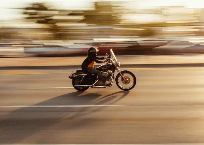 Qué seguro de moto contratar